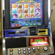 rich-little-piggies-williams-bluebird-1-slot-machine--2