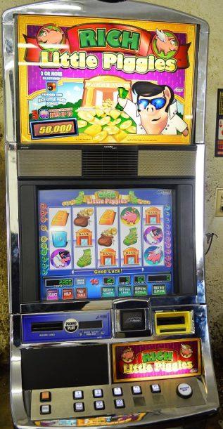 Rich Little Piggies Williams Bluebird 1 Slot Machine by WMS for sale