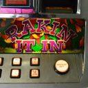 rakin-it-in-williams-bluebird-1-slot-machine--3