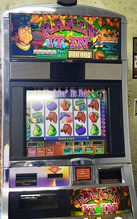 Rakin It In Williams Bluebird 1 Slot Machine by WMS for sale