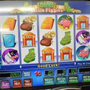 rich-little-piggies-williams-bluebird-1-slot-machine--4